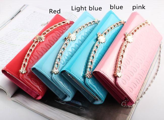 Elegant Chain Shell Bags & Wallet