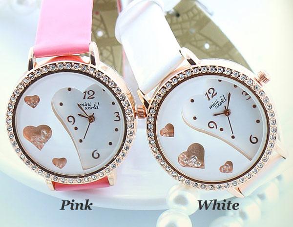 Sweet Heart Pattern Crystal Quicksand Watch