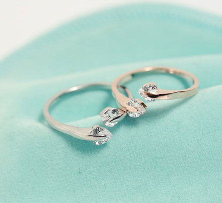 Fashion Peach Heart Rhinestone Opening Ring