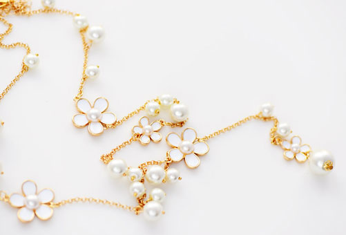 Romantic Flower Sweater Chain Long Necklace