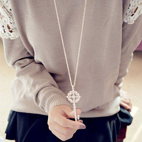 Hollow Four Leaf Clover Key Long Sweater Necklace