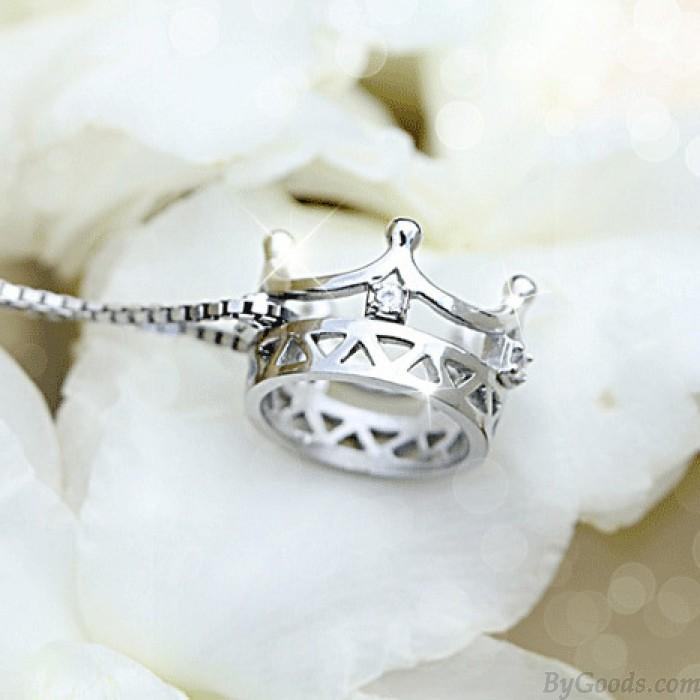Elegant Hollow Crowne Inlaid Diamond Pendant 925 Silver Necklace