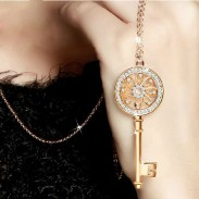 Shiny Rhinestone Key Sweater Necklace