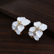 Fashion Elegant Sweet Clover Petals Rhinestone Earrings Studs