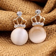 Sweet Lady Opal Hollow Diamond Imperial Crown Earring