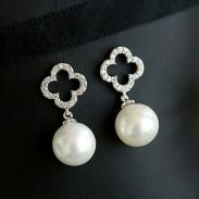 Hollow Diamond Clover Flower Pearl Pendant Sweet Lady Earrings