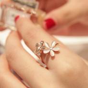 Opal Rhinestone Daisy Flower Open Ring