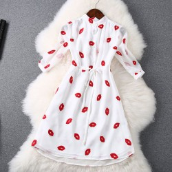 Stylish Red Lips Embroidery Waist Dress
