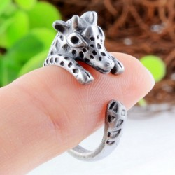Unique Alloy Hollow Lovely Little Giraffe Opening Ring