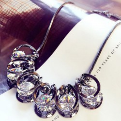 Shinning Crystal Diamond Geometric Shape Pendant Luxury Clavicle Sweater Chain Necklace