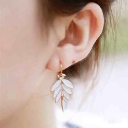 Sweet Leaves Plant Pattern White Diamond Stud Earrings
