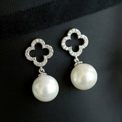 Hollow Diamond Clover Flower Pearl Pendant Sweet Lady Earrings