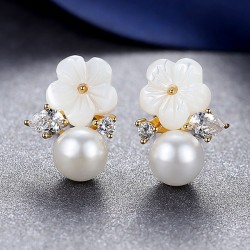 Sweet Diamond-bordered Flower Pearl Silver Women Fashion Ocean Style Earring Studs