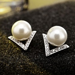 Fashion Pearl Inlay V Shape Diamond Triangle Silver Women Earring Studs