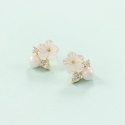 Elegant Shell Pearl Plum-shaped 925 Silver Needle Earrings