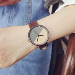 Retro Simple Circular Dial Wood Grain Strap Chic Waterproof Quartz Watch