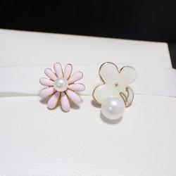 Sweet Cute Daisy Flower Pearl Pendant Asymmetric Fashion Earrings