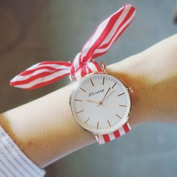 Chic Color Stripe Fresh Floral Cloth Strap Simple Style Dial Bracelet Girl's Student Quartz Watch
