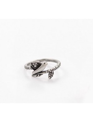 Vintage Bird Ancient Silver Rhinestone Animal Ring