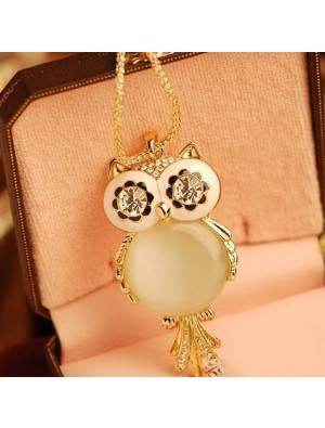 Cute Owl Opal Rhinestone Sweater Necklace