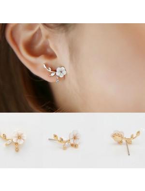 Fresh Design Silver Shell Flower Shape Fashion Earring Studs