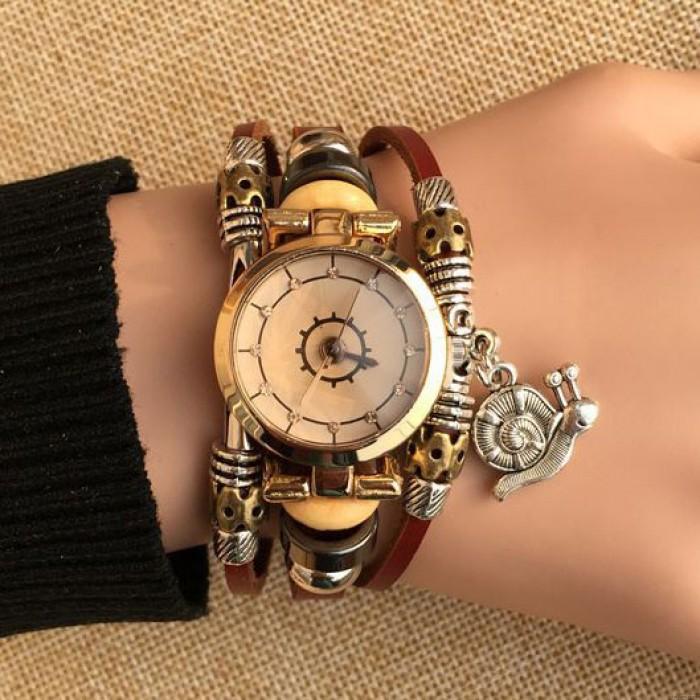 Fashion Snail Charm Leather Bracelet Watch