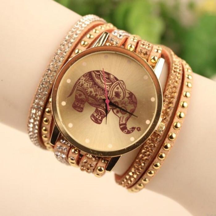 Hollow Elephant Pattern Diamond Rivet Leather Belt Bracelet Watch