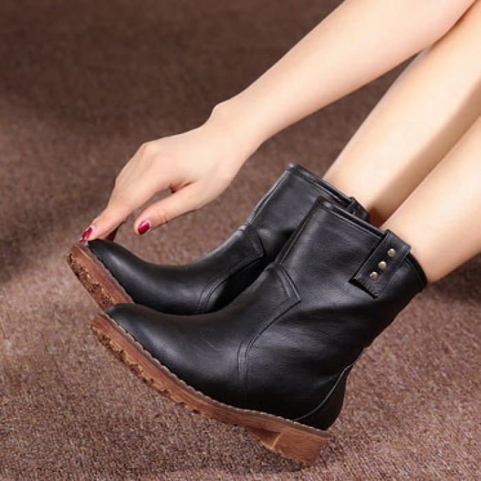 Low Heel Rivet Cattle Hide Leather Martin Boots