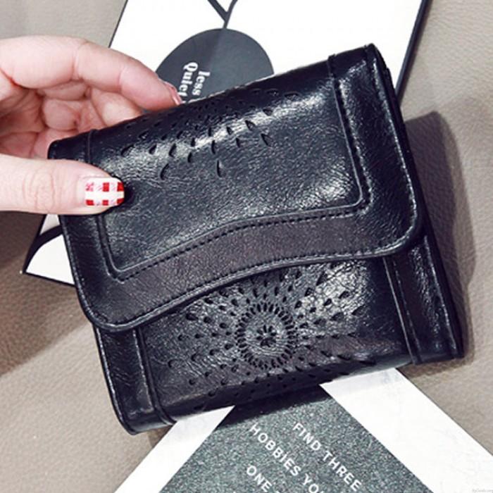 Retro Oil Wax Short Purse Hollow-Out Flower Clutch Bag  Women's Wallet