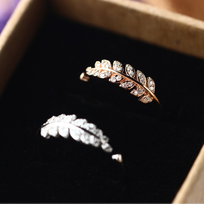 Sweet Leaves Shape Diamond-bordered Silver Pure Feather Open Ring