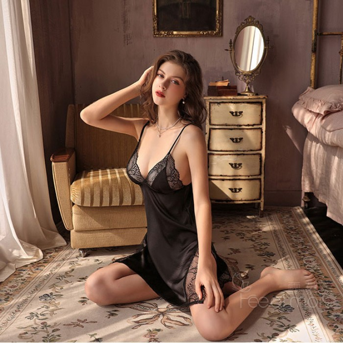 Sexy Lace Hollow Sling Pajamas Babydoll Chemise Lace Perspective Temptation Nightgown Backless Lingerie