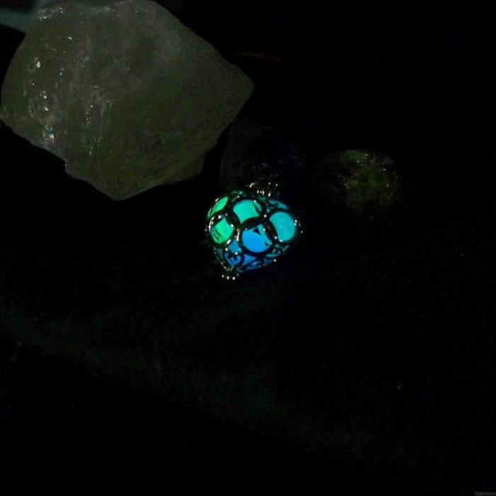 Luminous Stone Necklace Hollow Out Love Pendants