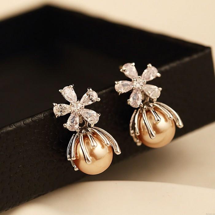 Shining Chrysanthemum Flowers Pearl Crystal Women's Earrings Studs