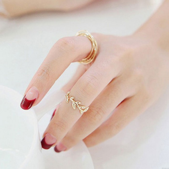 Unique Leaves Circles Two Piece Ring