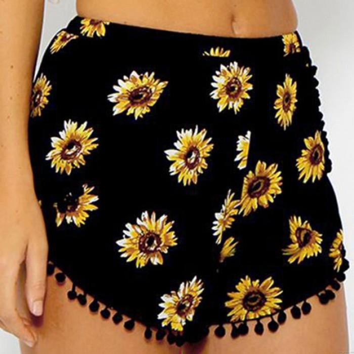 Chrysanthemum Print Trimmed Buttom Fringed Shorts