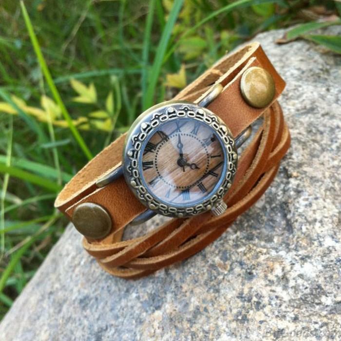 Rétro main Rivet Weave Bracelet Regardez