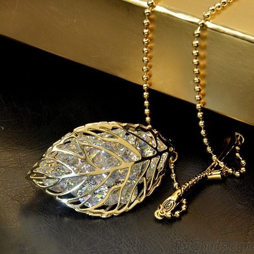 Bijoux élégant pendentif en cristal creux congé Direction pull collier