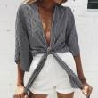 La chemise sexy à nouer et à nouer dans le haut de la chemise à manches demi-dos pour fille sexy