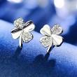 Trèfle à quatre feuilles incrusté de diamants de la fille du trèfle porte-bonheur argentés, mini boucles d'oreilles