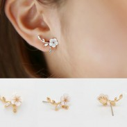 Goujons de boucle d'oreille en forme de fleur en forme de fleur en argent