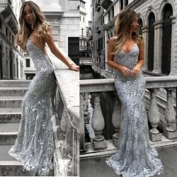 Robe de soirée sexy à bretelles avec décolleté en V et longue robe de bal élégante
