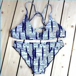 Ensemble de bikini fendu avec impression d'électrocardiogramme unique