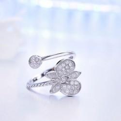 Bague ouverte ajustable avec diamant et papillon en argent