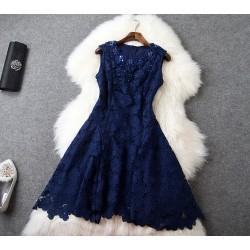 Nouveau Style Irrégulier Fleurs Perles Mince Évider Robe