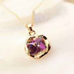 Cru Brillant Pente Mauve faux diamant Collier