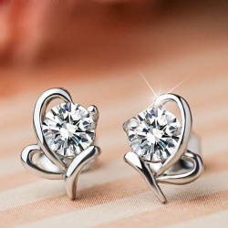 Élégant argent brillant papillon de diamants Zircon Insecte Boucles d'oreilles