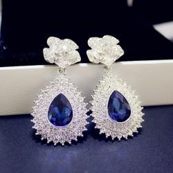 Noble Brillante incrusté de diamants Rose Pendentif de saphir Banquet Des boucles d'oreilles