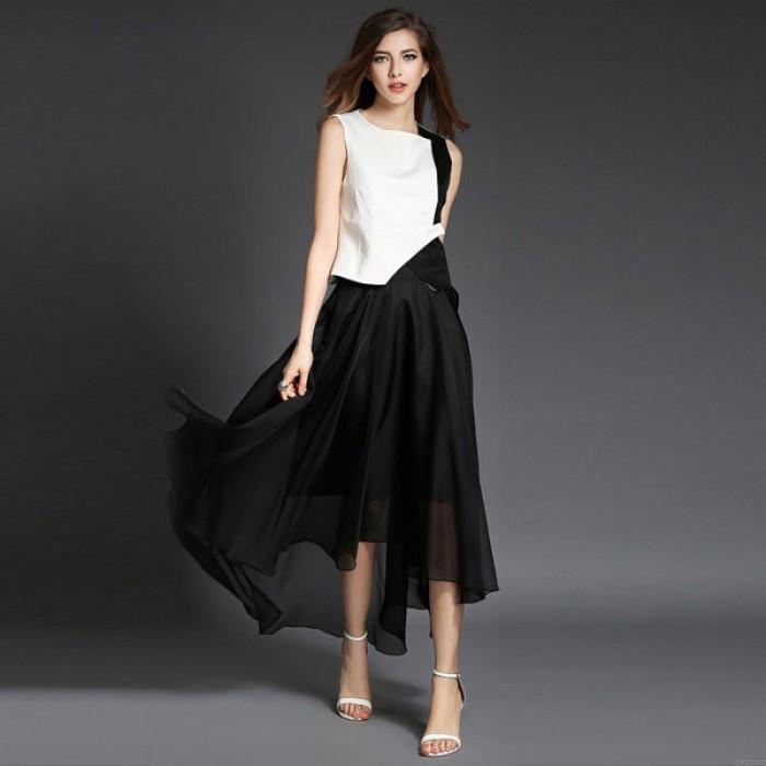 Noir et Blanc Correspondant à Coton Organza Robe Costume