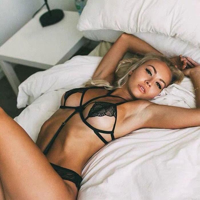 Sexy dentelle noire ultra-mince feuilles style soutien-gorge ensemble en acier prop cou anneau sous-vêtements lingerie