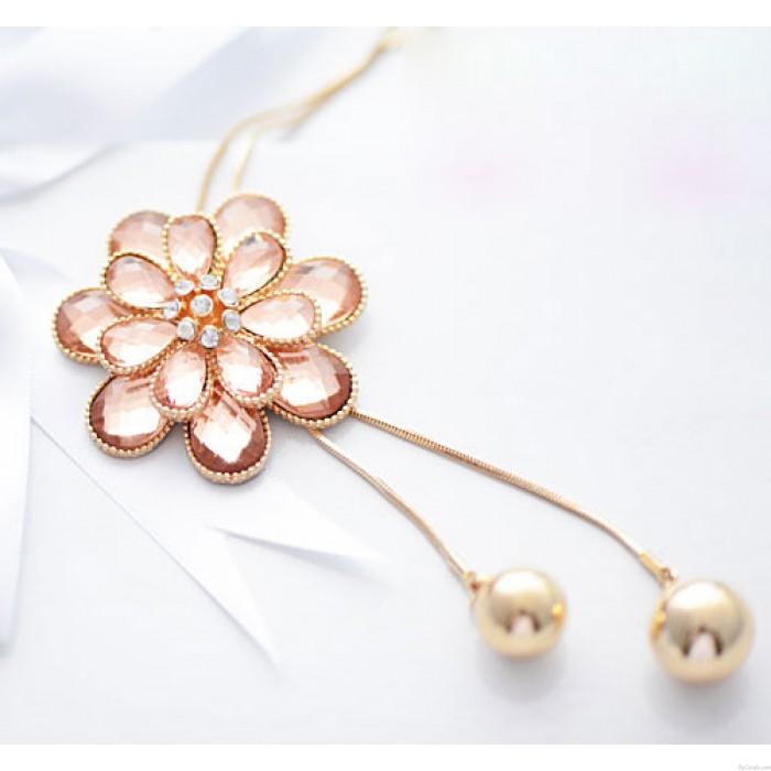 Une fleur Gland faux diamant Long Chandail Collier chaîne